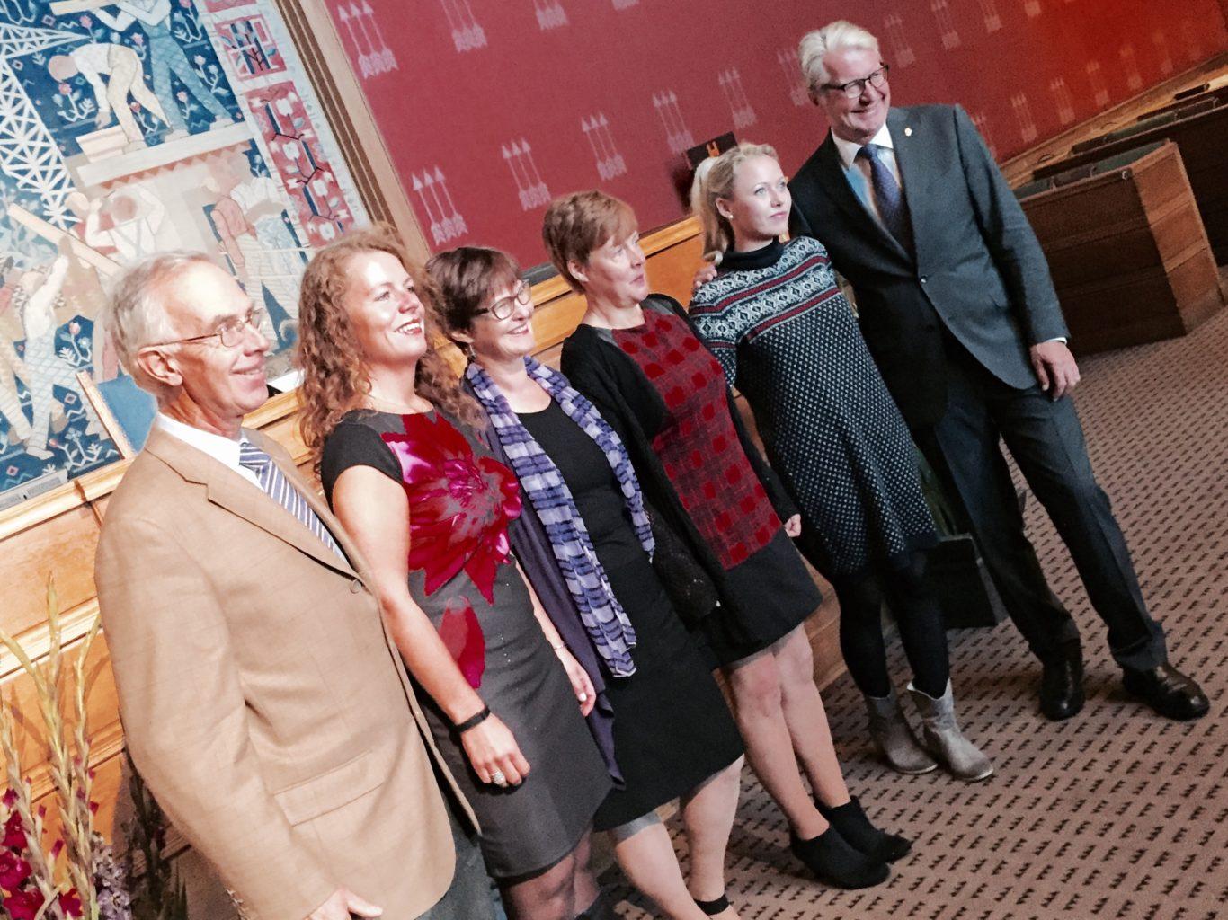 Kulturarbeider Bjørg Tvinnereim Moe ved Bekkelagshjemmet er kåret til årets medarbeider i eldreomsorgen 2015