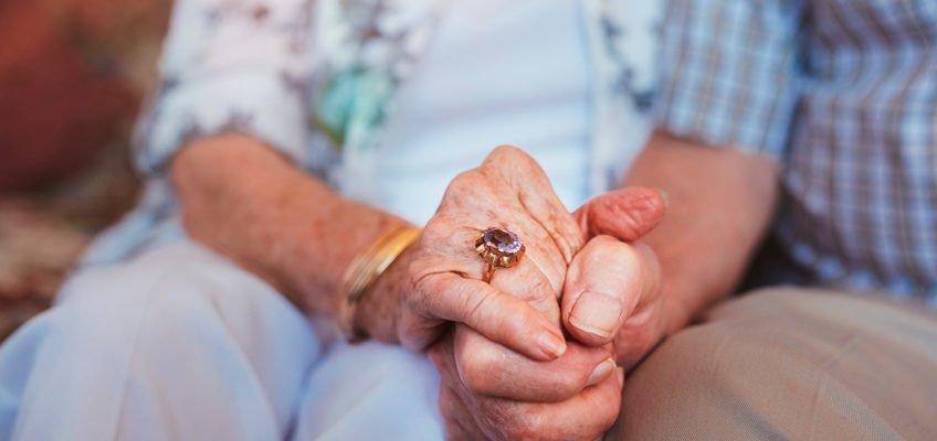 Må 90-åringer flytte for å få hjelp?