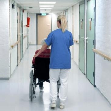 FÅ TRENGER PLEIE: – På landsbasis er det kun 10–15 prosent av landets 900.000 pensjonister som er pleietrengende eller har behov for omsorgstjenester. Tilstanden i Bærum er kanskje enda bedre, skriver innsenderen. Foto: TRINE JØDAL
